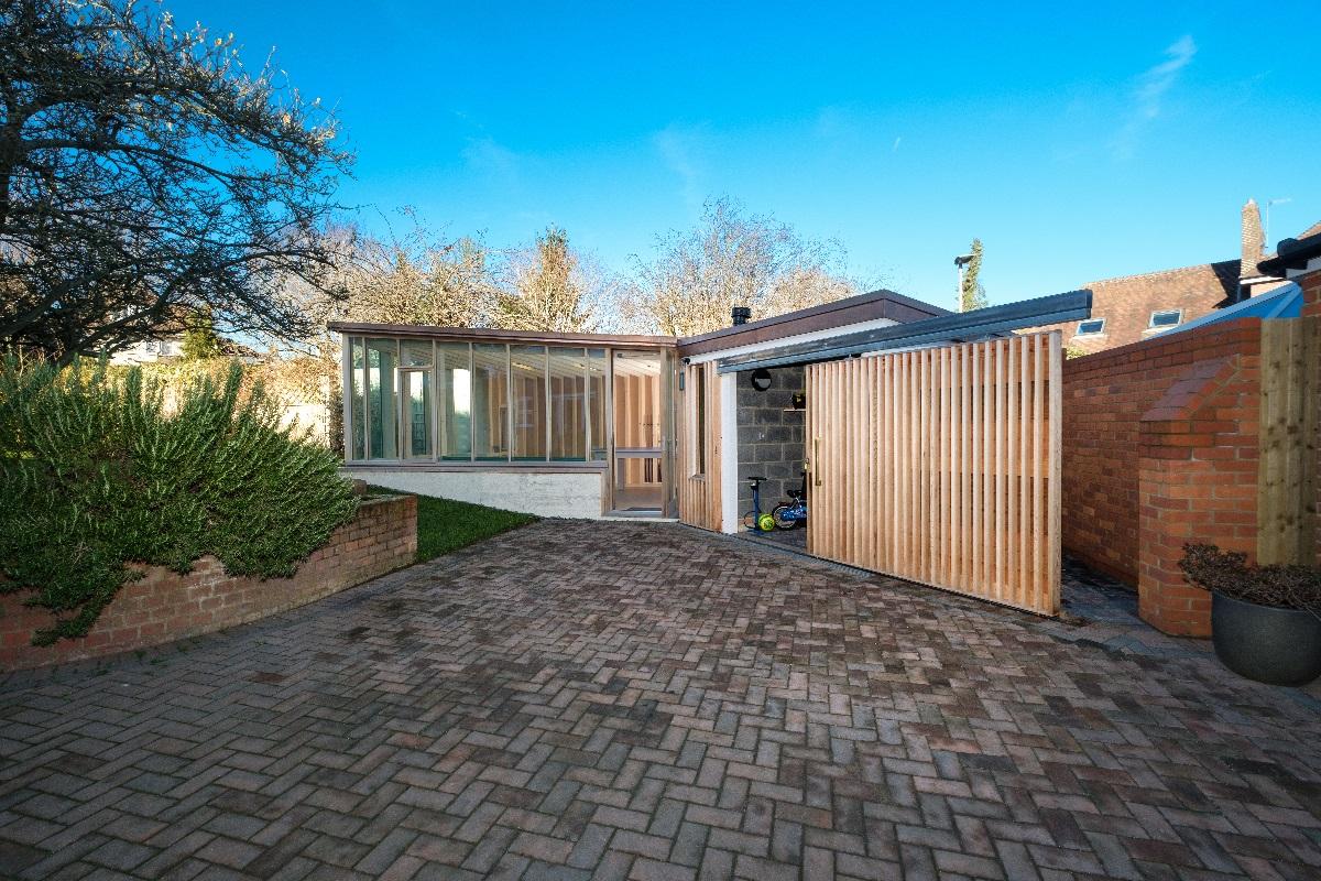 bespoke garden building from drive